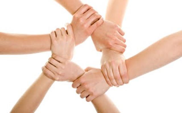 Στήριξη σε πολίτες από την Περιφέρεια και τη ΔΕΗ